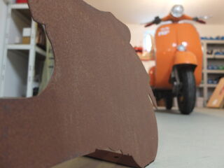 Rusty Vespa decoration - Vespa GTS